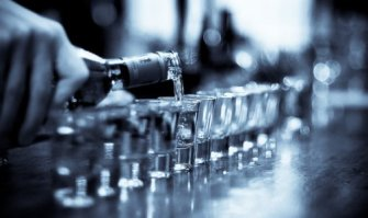 alcohol-black-and-white-party-vodka-Favim_com-279252